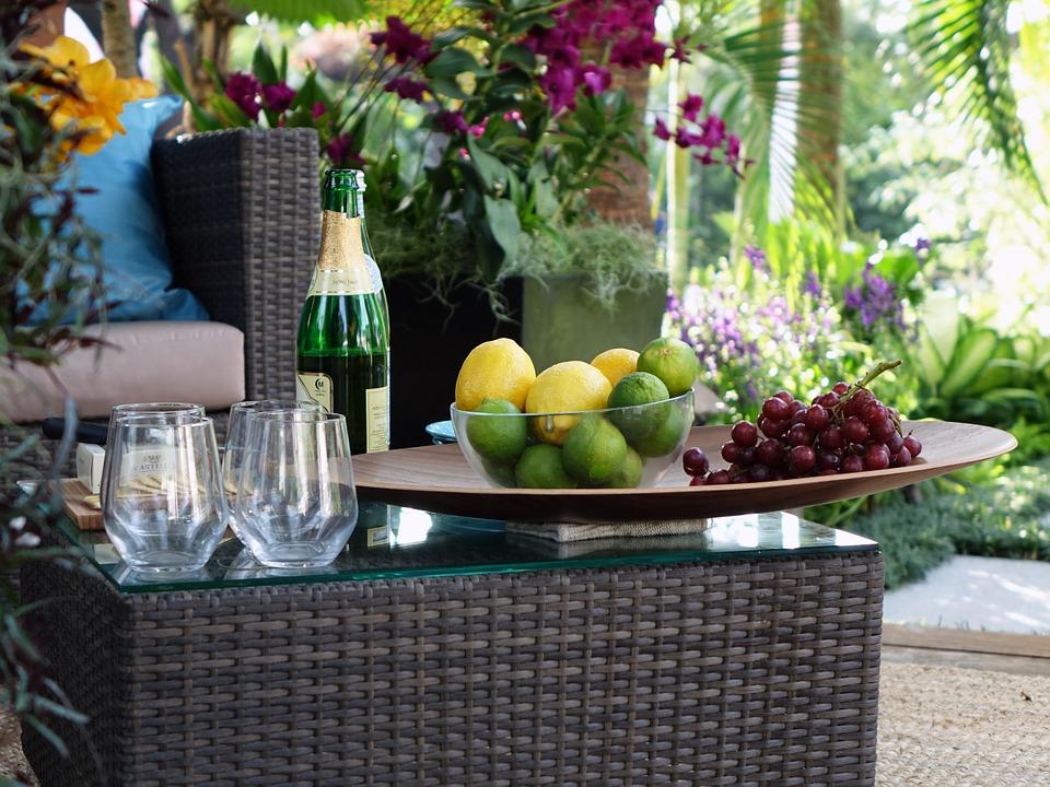 Gartenmöbel-Sets sind gut geeignet für alle, die Stil mögen